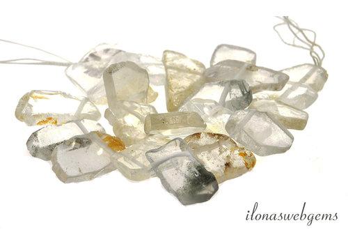 Bergkristal plakken op en aflopend van ca. 22x20x6 tot 33x25x6mm