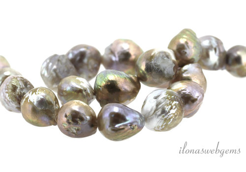 Baroque pearls lilac around 18x14mm