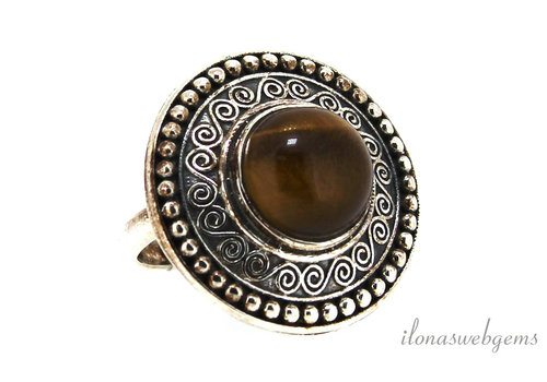 Sterling silver ring with tiger eye