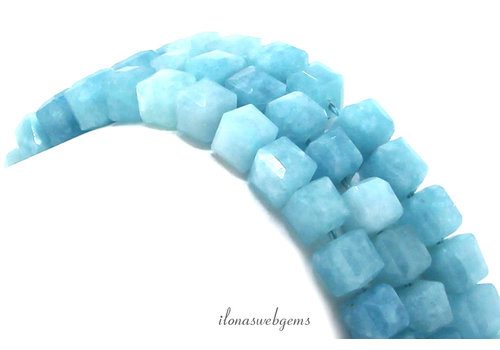 Blauwe Jade  facet kubus kralen ca. 6mm