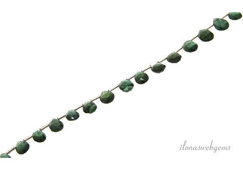 Facet druppeltjes groene Apatiet ca. 8x5-6x4mm