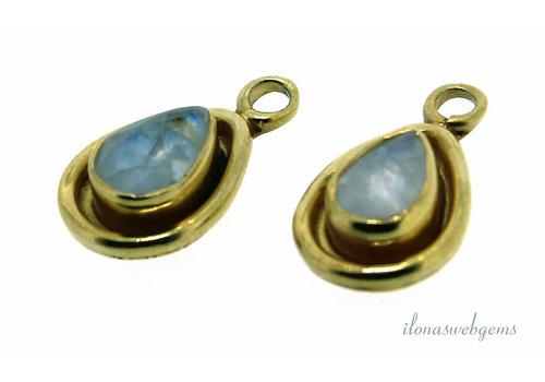 14 carat Vermeil pendant with Labradorite about 15x9x4mm