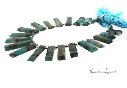 Chrysopraas kralen / hangers op- en aflopend van ca. 12x7x4 tot  32x7x4mm