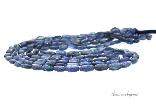 Kyanite faceted ovals A quality ascending and descending from approx. 7x4x3 to 10x7x4mm