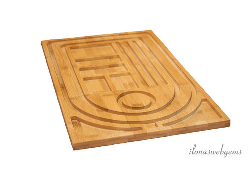 Bamboo lacing board for chains