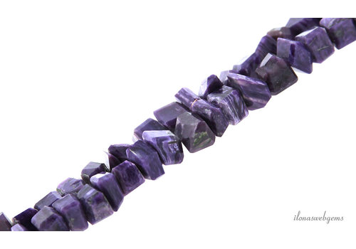 Paarse Charoite fancy nuggets ca. 13x11mm