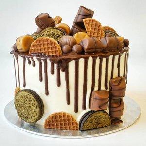 Golden caramel & chocolate cake