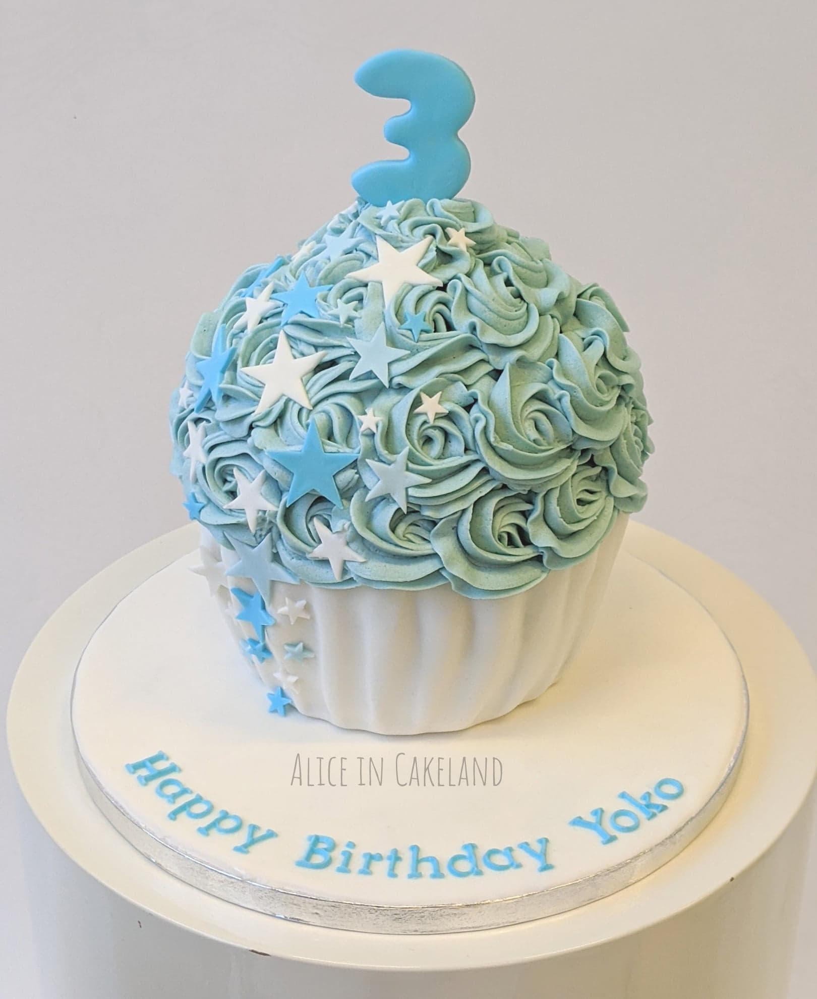 Brilliant Blue Stars Giant Cupcake Cake Aliceincakeland Nl Personalised Birthday Cards Veneteletsinfo