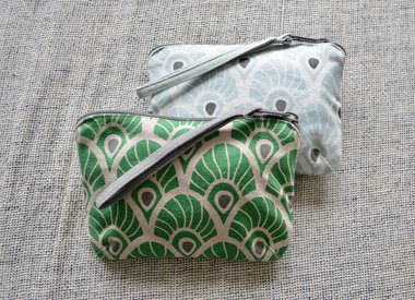 Travel purses