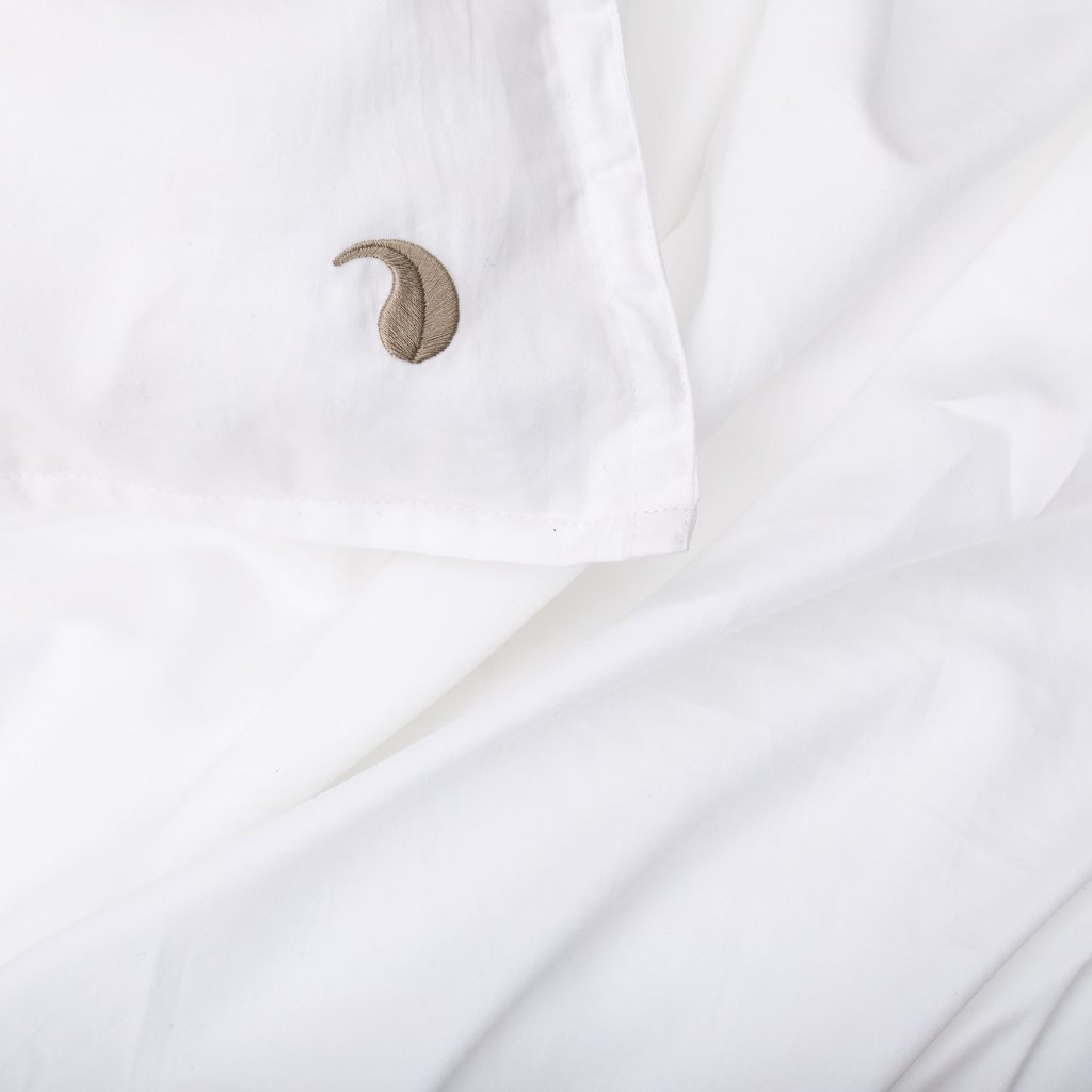 Four Leaves Four Leaves Bentota percale white with beige leaves sustainable duvet cover