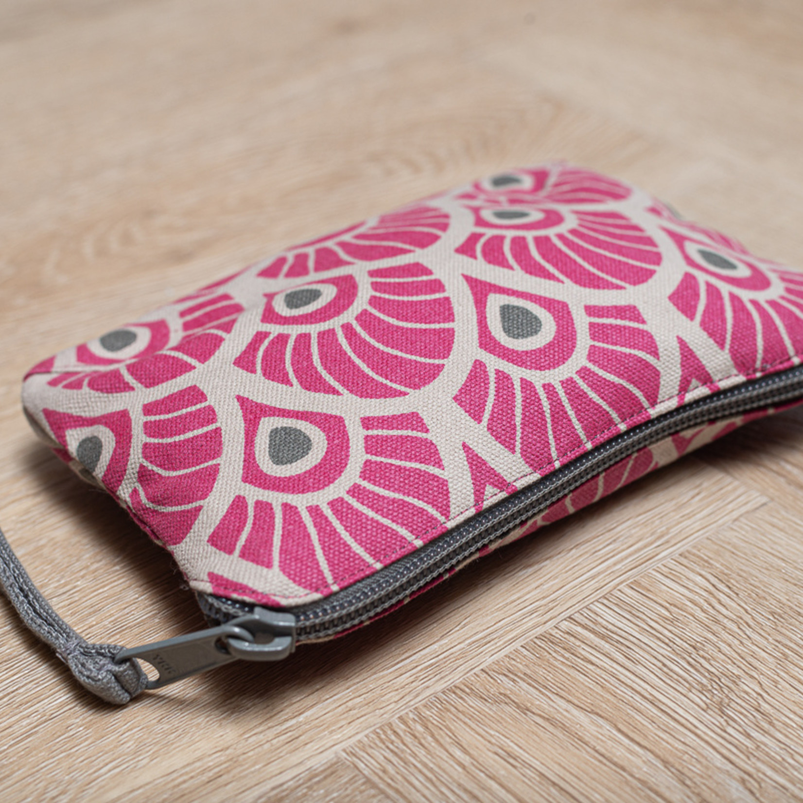 Tallentire House Tallentire House Feather Fuchsia Red sustainable bag