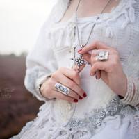 7 voorbereidingstips voor het ontwerpen van jullie unieke trouwsieraden