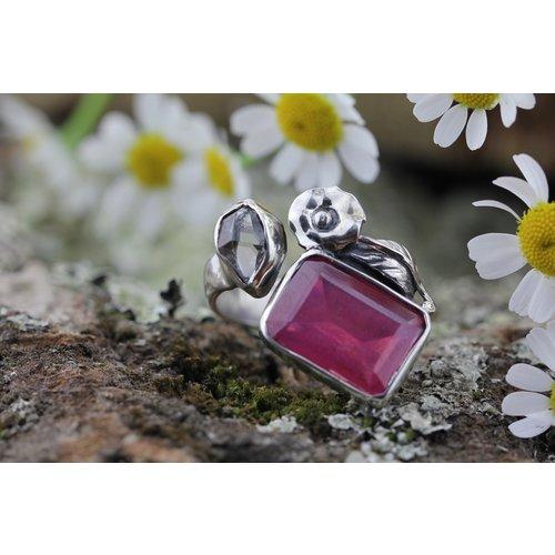 Designer ring Robijn en Herkimer Diamant