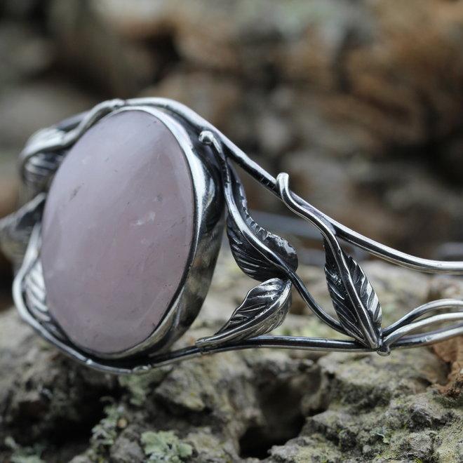 Rozenkwarts armband 'Floral', gezet in 950 zilver uit eigen atelier