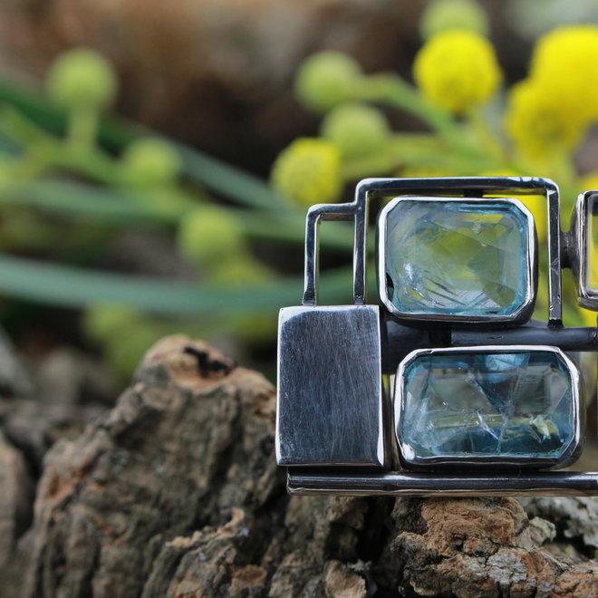 Blauwe fluoriet ring 'Moderna'