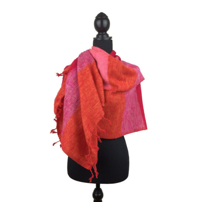 Sjaal roze oranje gestreept