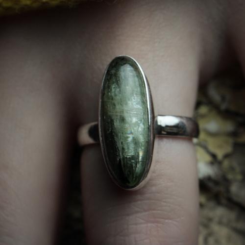 groene kyaniet ring eigen ontwerp