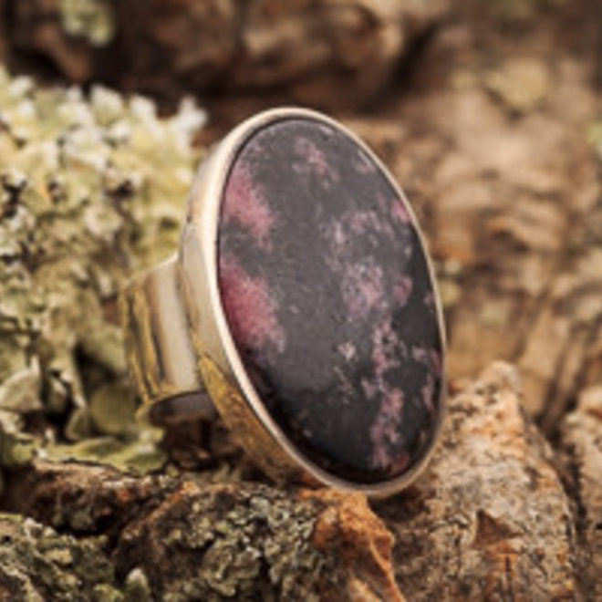 Ring Rhodoniet Ovaal