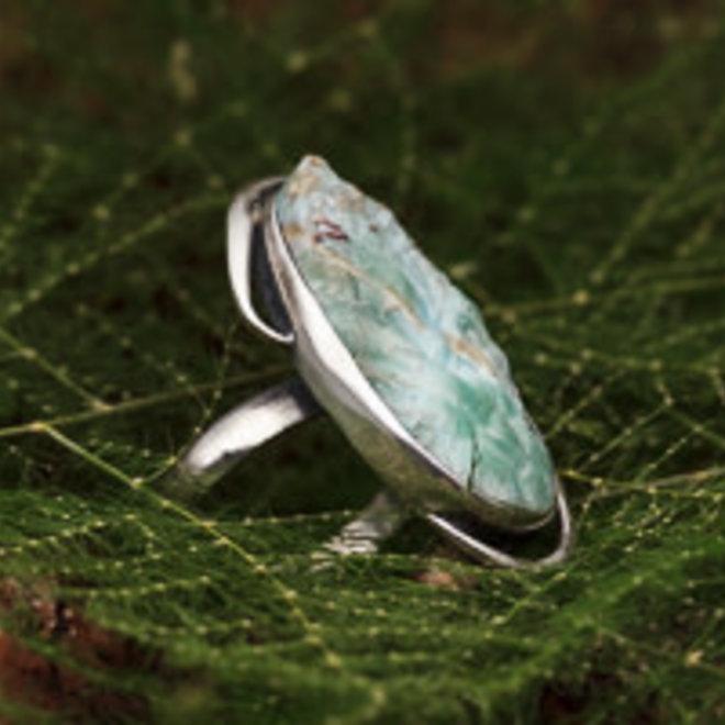 Ruwe larimar ring 'Roca'