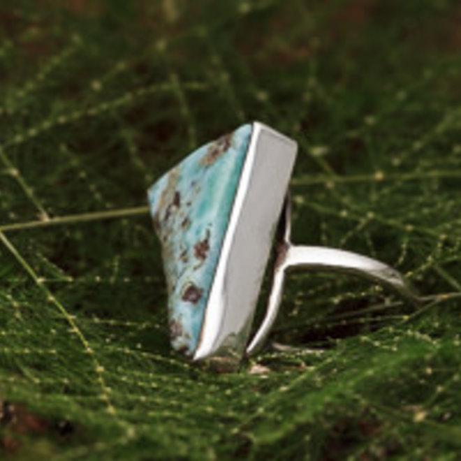 Larimar ring 'Tres', gezet in massief 925 zilver in eigen atelier