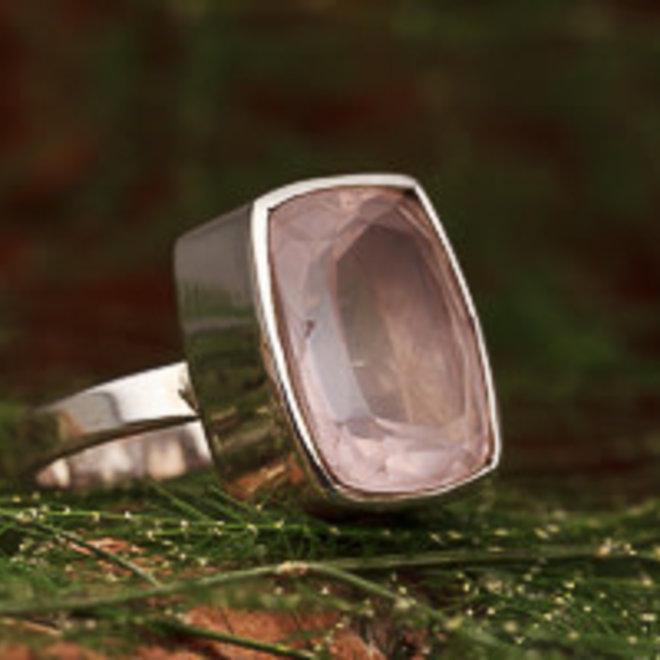 Rozenkwarts ring 'Ravi'
