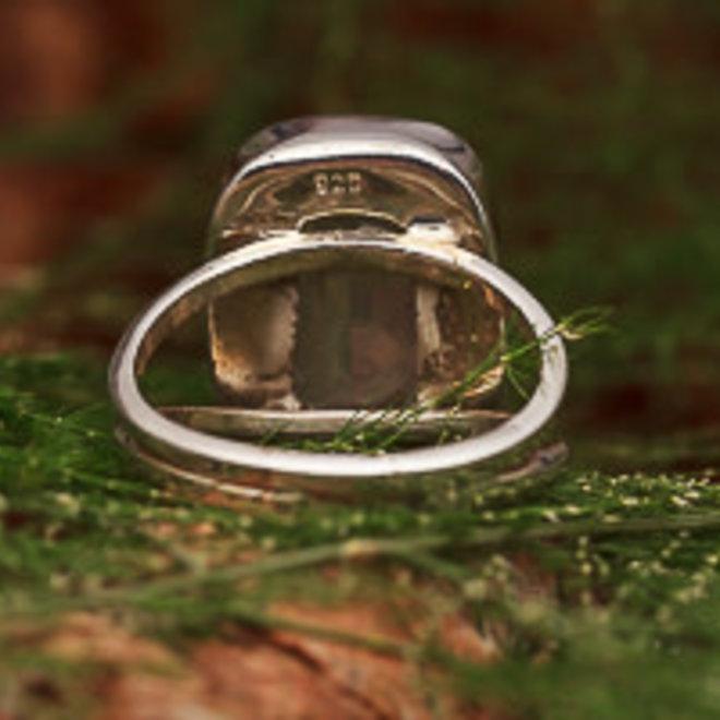 Rozenkwarts ring 'Roek', gezet in 925 zilver