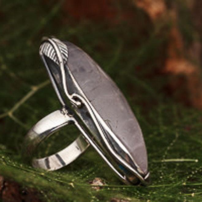 Rozenkwarts ring 'Kazo', gezet in massief 925 zilver in eigen atelier
