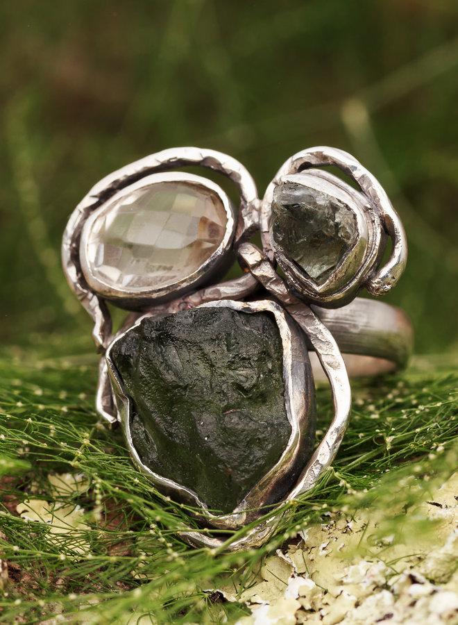 Ring Moldaviet met Bergkristal Drie stenen