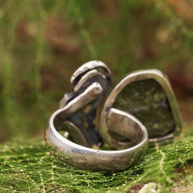 Moldaviet ring 'Trojcata', gezet in 925 zilver uit eigen atelier