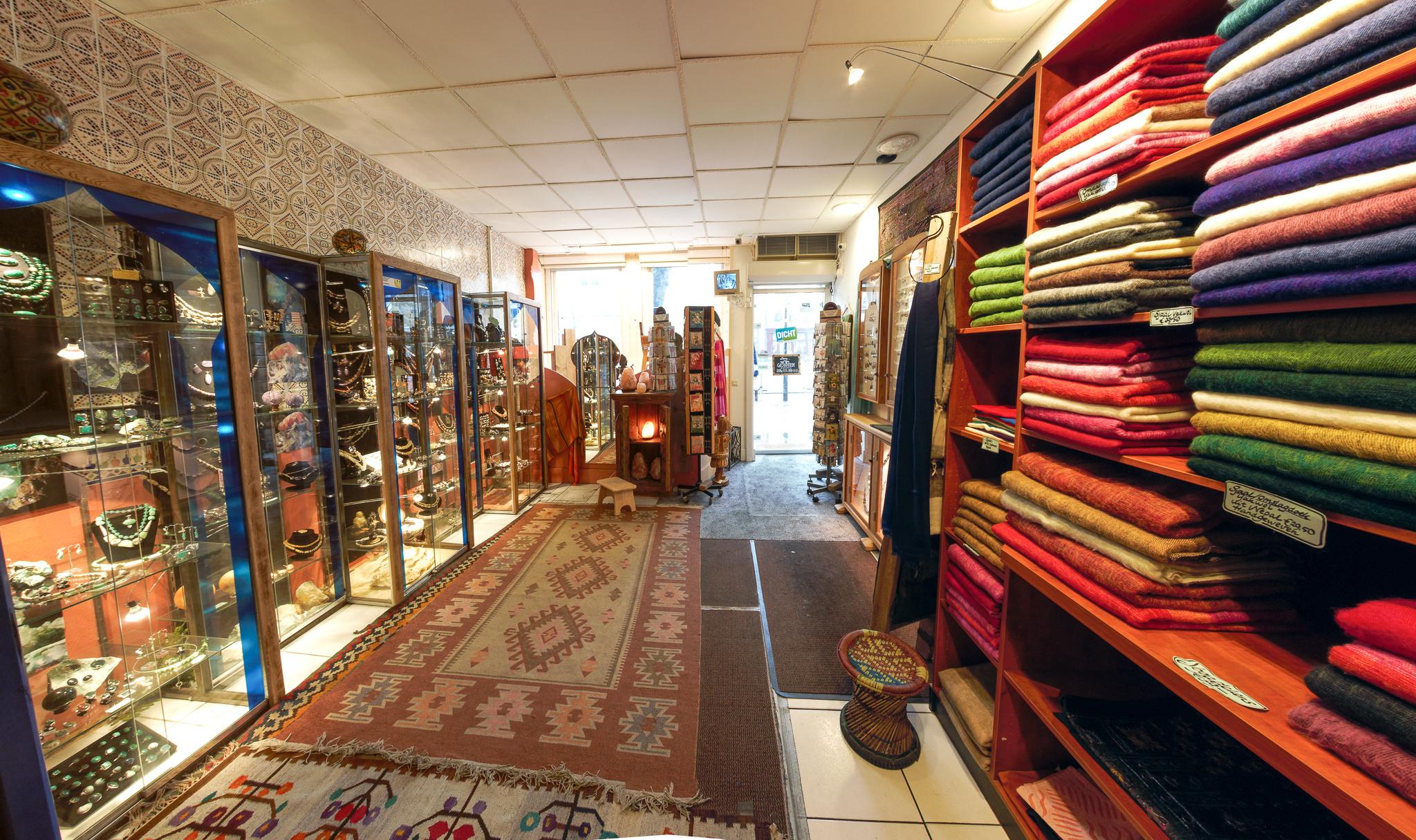 winkel sjaals en deur