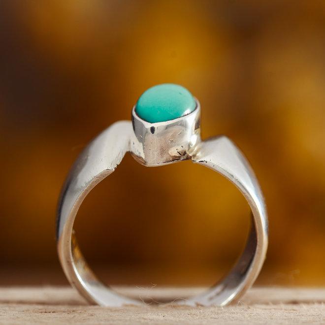 Turkoois ring 'Volitare' gezet in 925 zilver