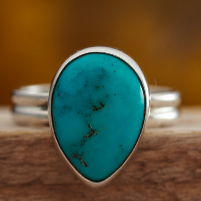 Turkoois ring 'Gocciolare' gezet in 925 zilver druppelvorm