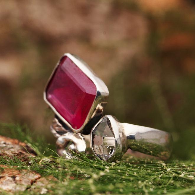 Robijn met Herkimer diamant 'Fantasia', gezet in 925 zilver in eigen atelier