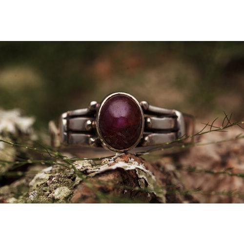 Robijn ring 'Insetto'