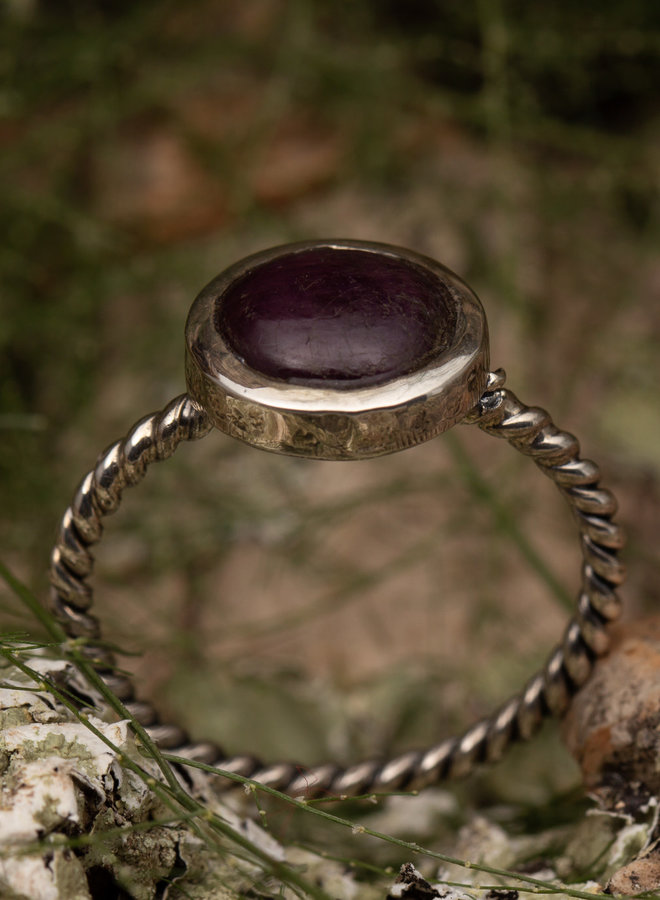 Robijn ring 'Rotante'