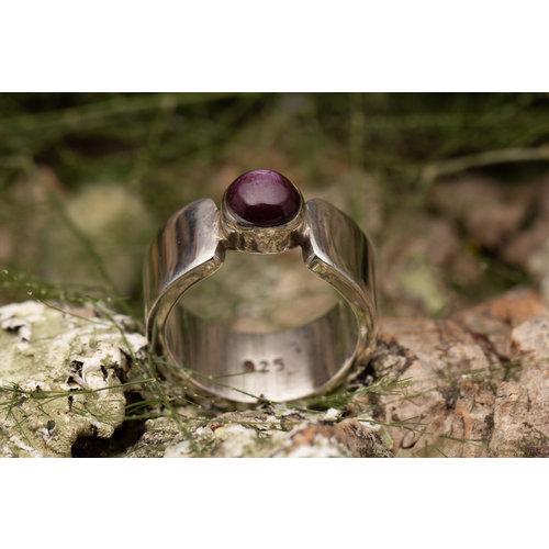 Robijn ring 'Ovalis'