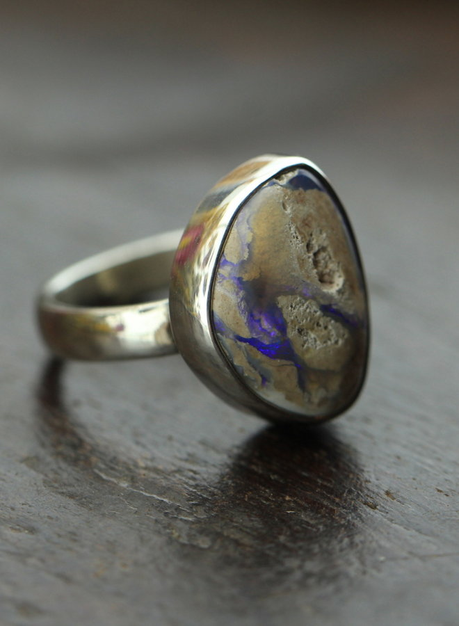 Australische opaal ring 'Hyacinthum' gezet in 925 zilver uit eigen atelier