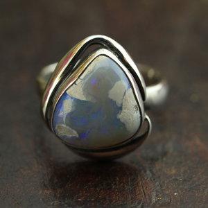Australische opaal Lightning Ridge ring 'Terra'