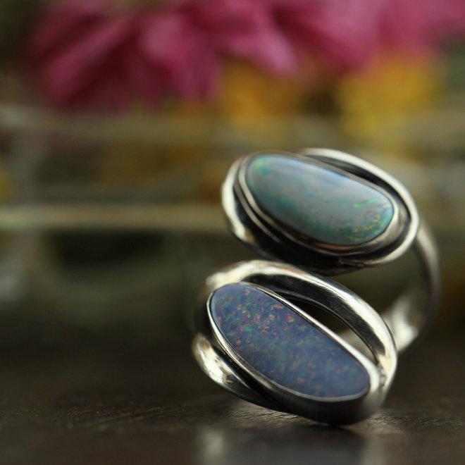 Australische Opaal ring 'Duplici' gezet in 925 zilver uit eigen atelier