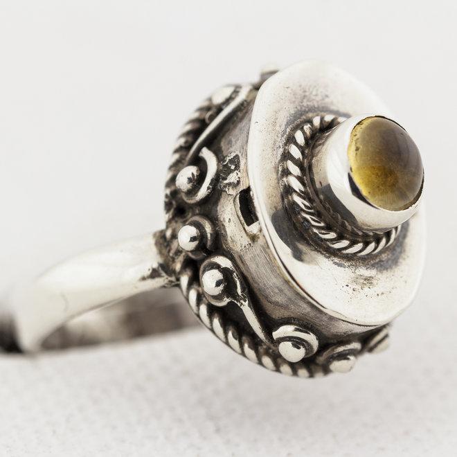 Citrien ring 'Purigine'