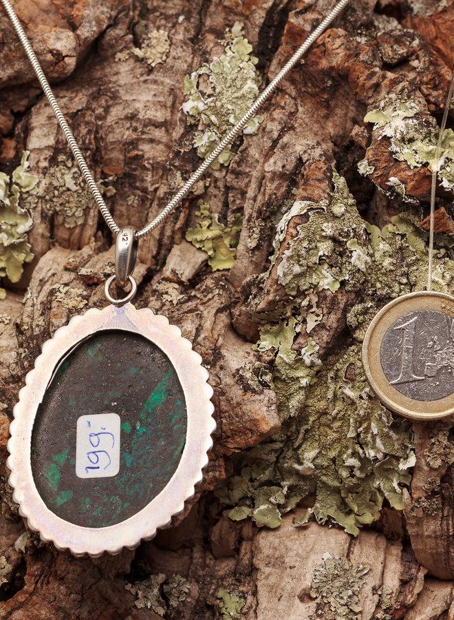 Chrysocolla hanger met zilveren versiering