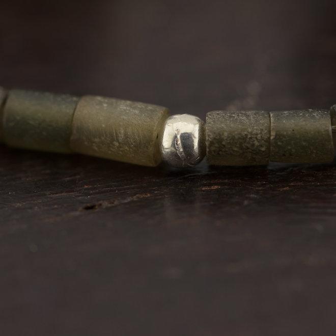 Jade armband met zilveren kralen