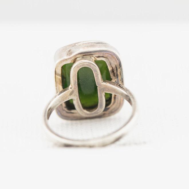 Zilveren jade ring rechthoekig
