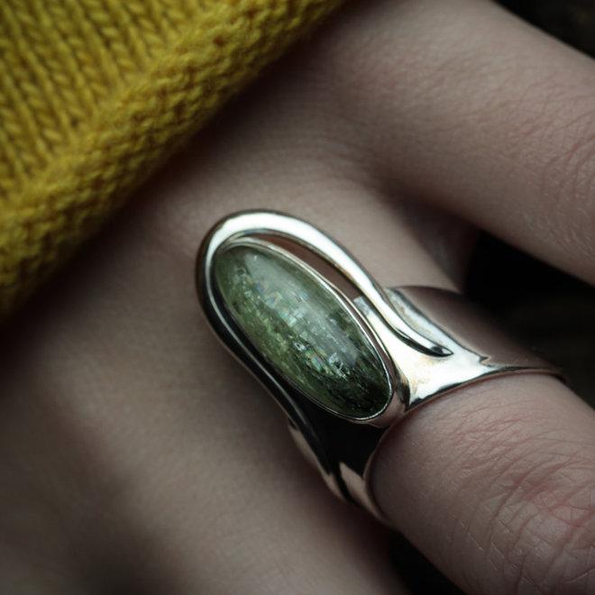 Groene kyaniet ring 'Stellos' van 925 zilver uit eigen atelier
