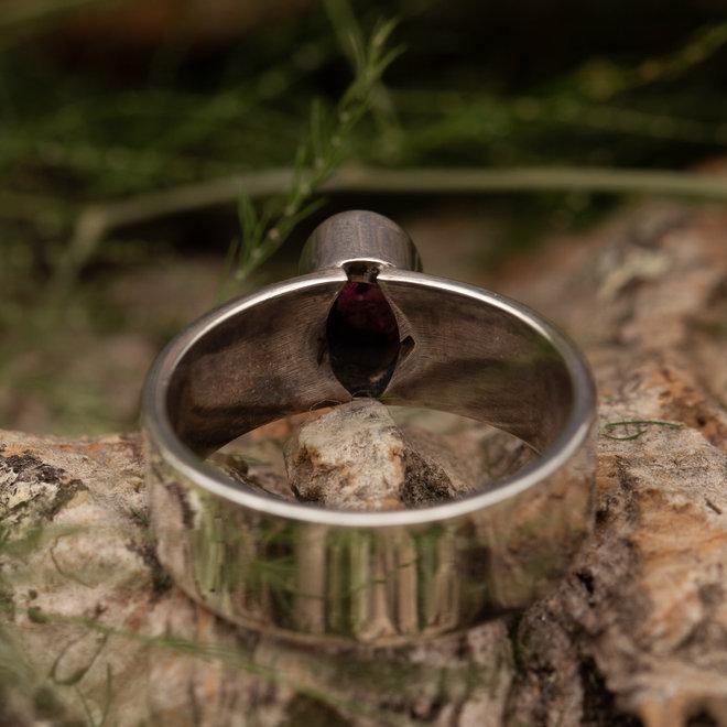 Robin ring 'Mannik' gezet in 925 zilver