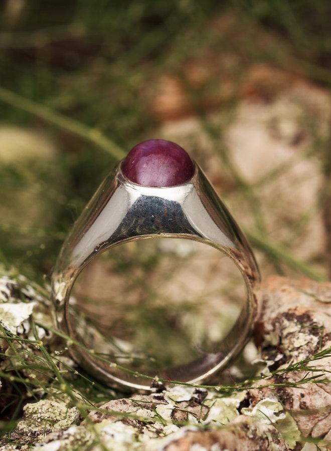 """Robijn Ring """"Rubinus"""" gezet in 925 zilver"""