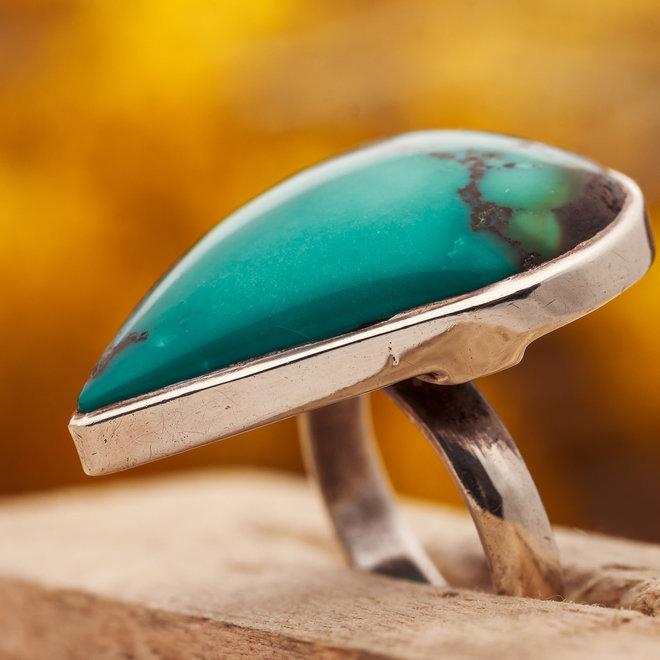 Turkoois Ring 'Sacra' is gezet in 925 zilver