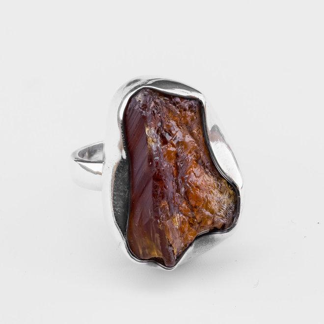 Grote, ruwe hessonietgranaat ring uit eigen atelier