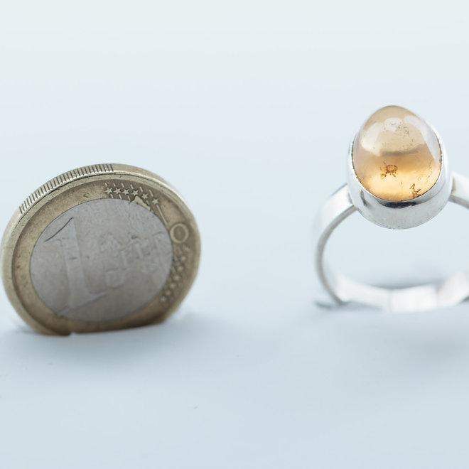 Elegante granaat ring - gezet in 925 zilver