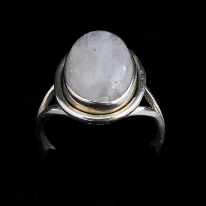 Maansteen ring 'Honeste' gezet in 925 zilver